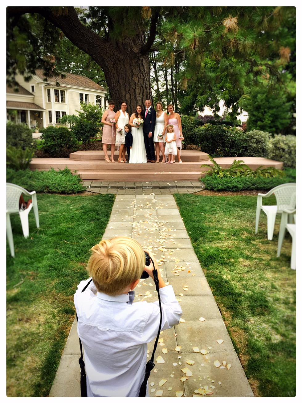 Oregon wedding wedding photographer wedding photos for Wedding photographer assistant